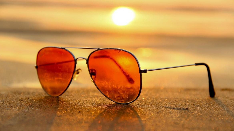 Слънцезащита през летните дни (какви заболявания предизвиква продължителното излагане на слънце)