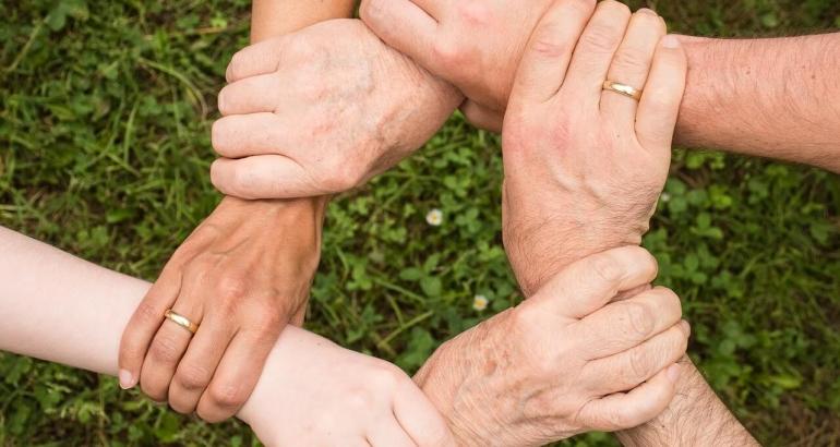 За красивите и нежни ръце