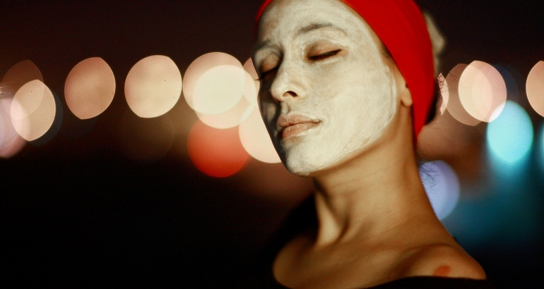 Поддържане на млад и здрав външен вид с маски за лице