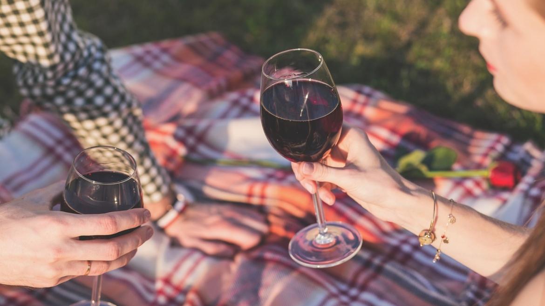 Полезно ли е червеното вино за кожата