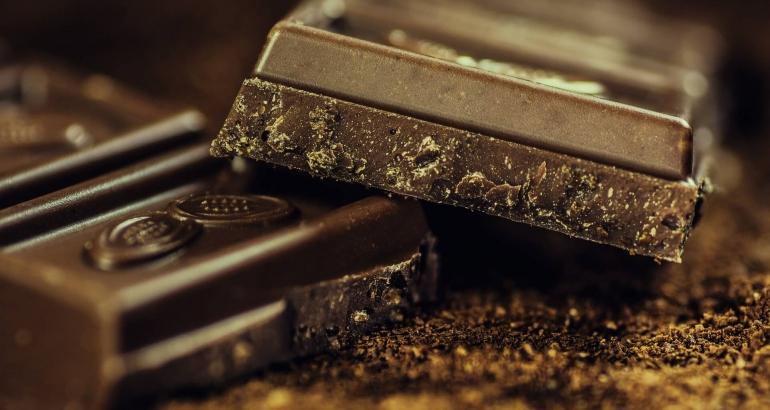 Причинява ли шоколадът акне