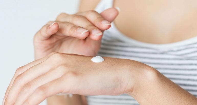 Ролята на активните съставки в грижата за дехидратираната кожа