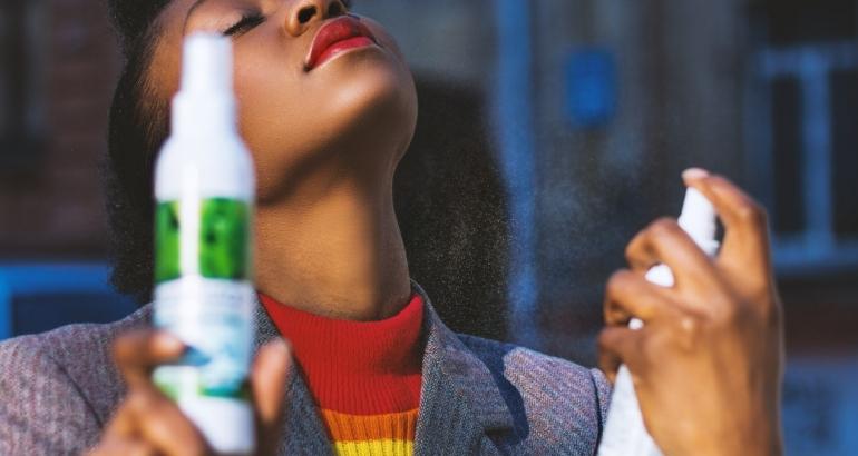 Подхранване на кожата със спрей за лице